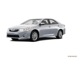 2014 Toyota Camry Hybrid XLE in West Springfield, Massachusetts